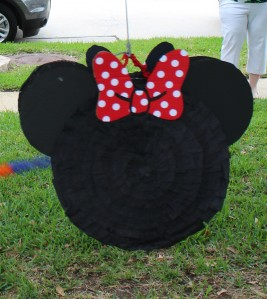 DIY Minnie Mouse Pinata